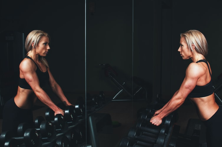 Women With Muscles: Benefits And Drawbacks To Know